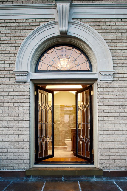 Beveled Glass Restoration Monument Avenue ©Dovetail Construction